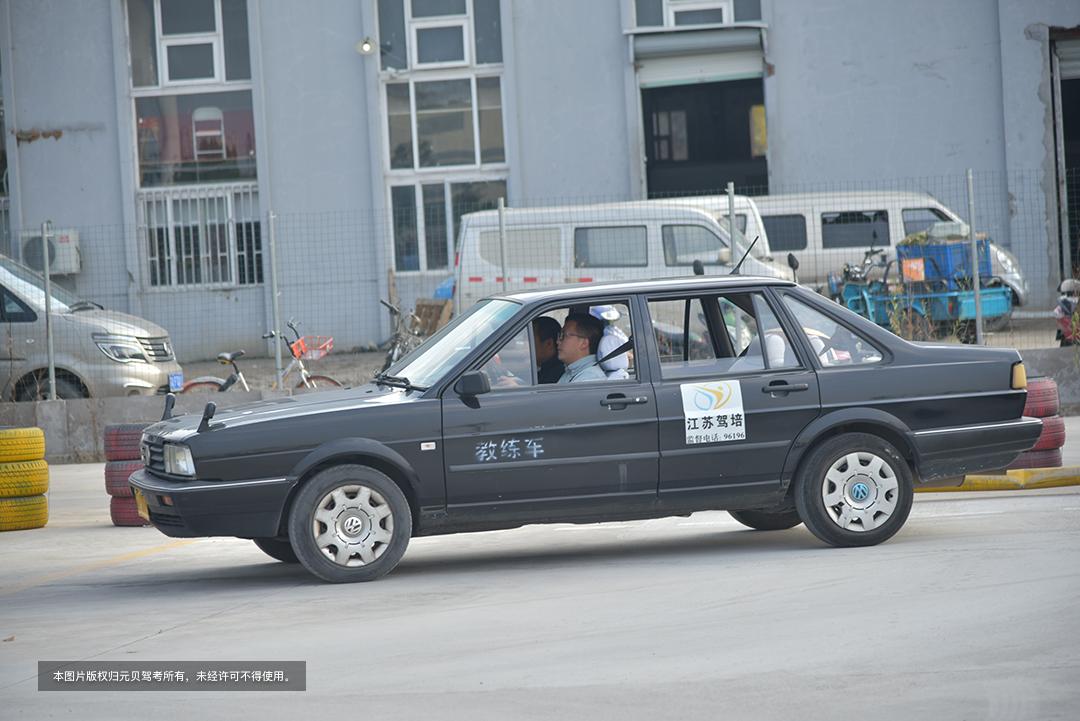 科三真的很简单,警惕3个高频扣分点,一次就能过 第1张-库车驾校排名-报名电话-价格表-考驾照流程-科目考试技巧